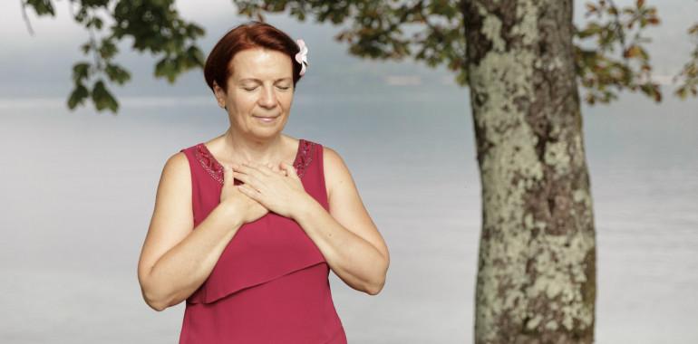 Zakaj je slovo od preminulih tako pomembno + BREZPLAČNA meditacijo za slovo od njih