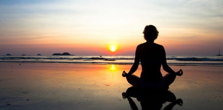 Vodena meditacija za lepši spanec: vodi Nina Vanita Hočevar