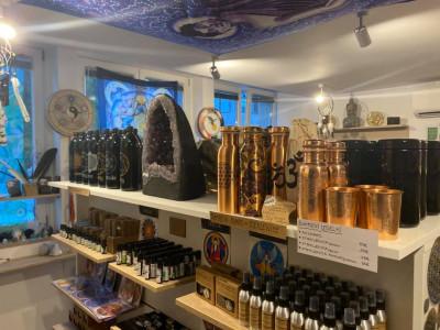 Spletna trgovina (www.visja-vibracija.si/trgovina/)
