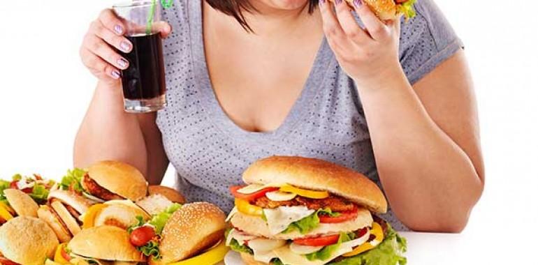 Debelost in hormoni