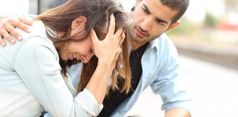 Kako reagirati, ko nekdo s teboj deli nekaj bolečega?
