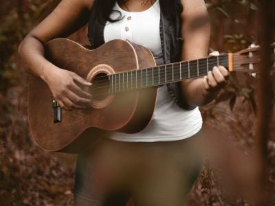 Biodanza - Valovi ustvarjalnosti, pesem življenja (Harmony Program)