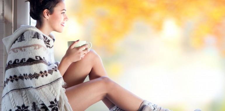Kakšna prehrana in dnevna rutina nas prizemljita in umirita vplive jeseni?