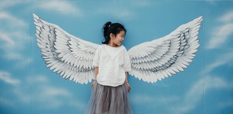 Obstajata le dve trajni zapuščini, ki ju lahko damo otrokom: korenine in krila
