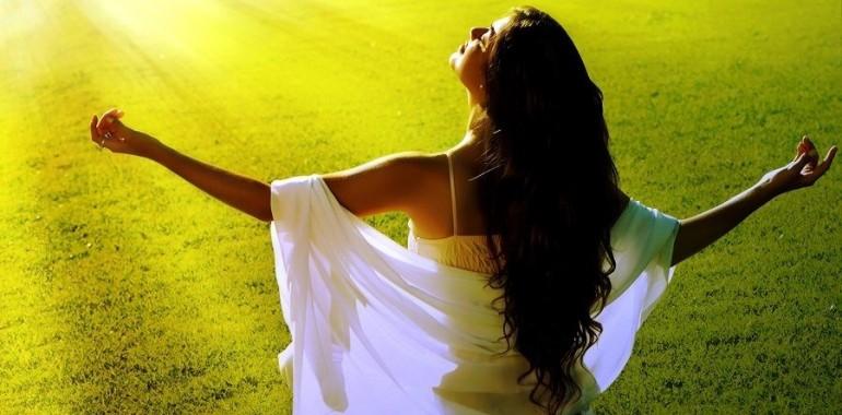 Meditacija za april prinaša olajšanje in lahkotnost