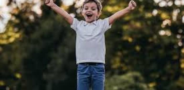 Vsak otrok je umetnik ... umetnost pa je talent zadržati tudi, ko odrasteš.