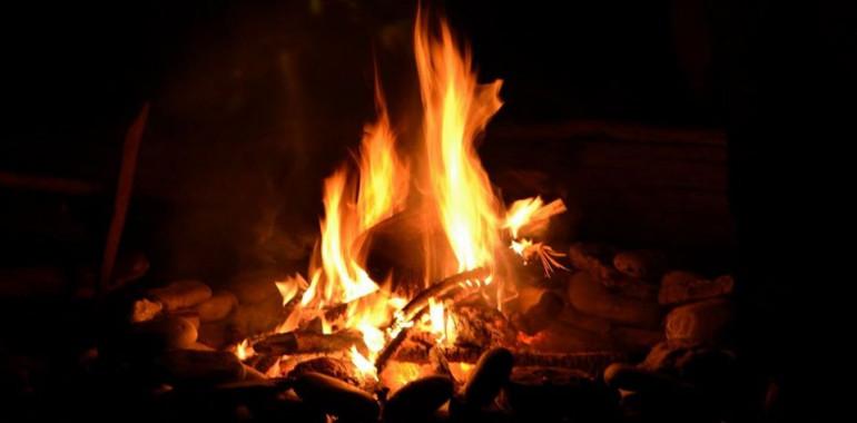 Ognjeni obred - Povezava s predniki PREKO SPLETA