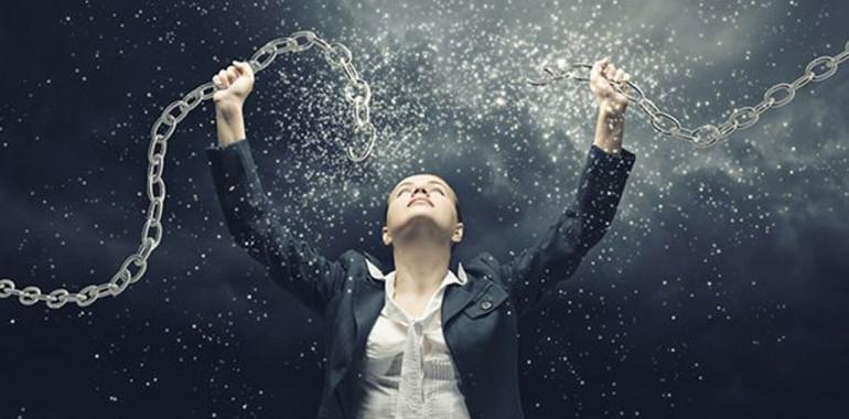 Omejujoča prepričanja – kakšno moč imajo in kako se jih osvoboditi?