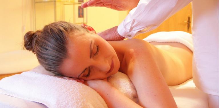 Antistresna masaža celega telesa in mikrokozmično balasiraje