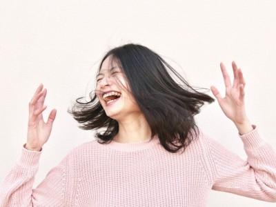 Smejalnica - delavnica joge smeha