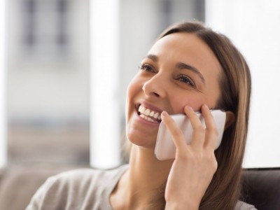 Sevanje telefonov povzroča raka in tumorje: imaš telefon VEDNO vsaj 15 mm stran od telesa?